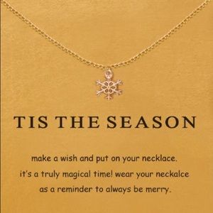 Jewelry - NEW Tis the Season Snowflake Gold Necklace Gift ❄️